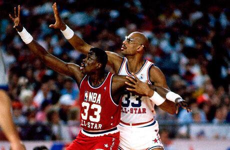 Kareem Abdul-Jabbar y Patrick Ewing, en el All Star de 1989./ Getty
