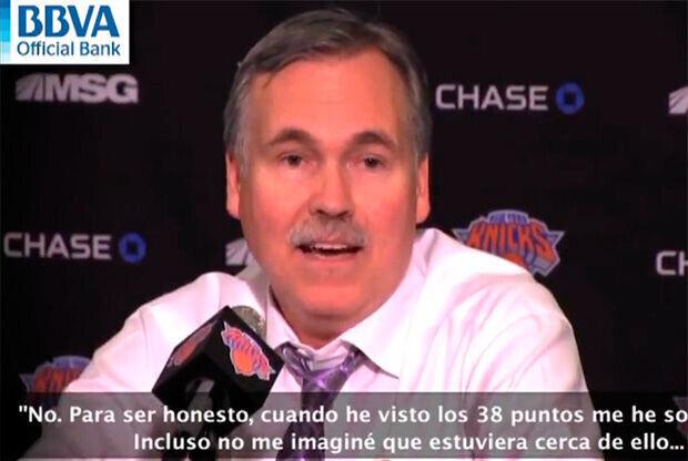 Mike D'Antoni, durante la rueda de prensa posterior a la victoria contra los Lakers