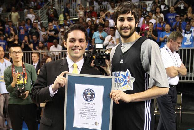 Ricky recibe el reconocimiento de récord Guinness./ Getty