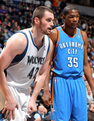 Kevin Love y Kevin Durant./ Getty Images