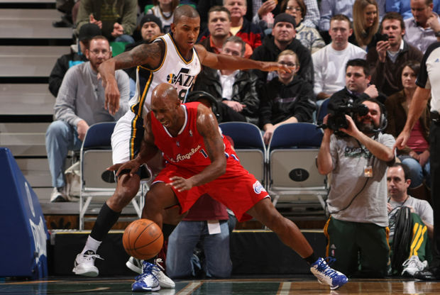 Chauncey Billups y Raja Bell./ Getty Images