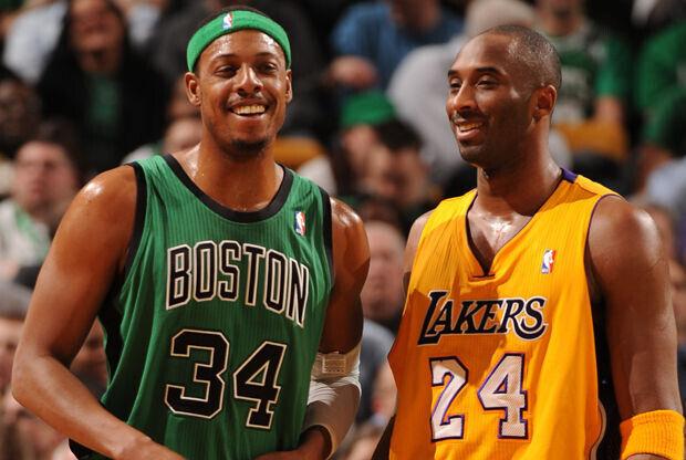 Kobe Bryant y Paul Pierce./ Getty Images