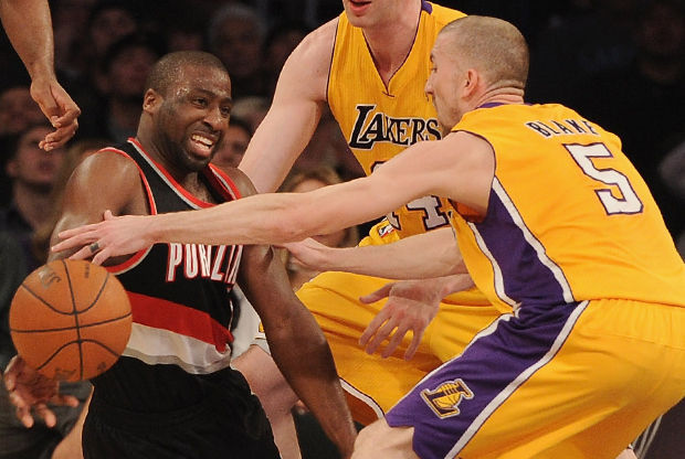 Raymond Felton y Steve Blake./ Getty Images