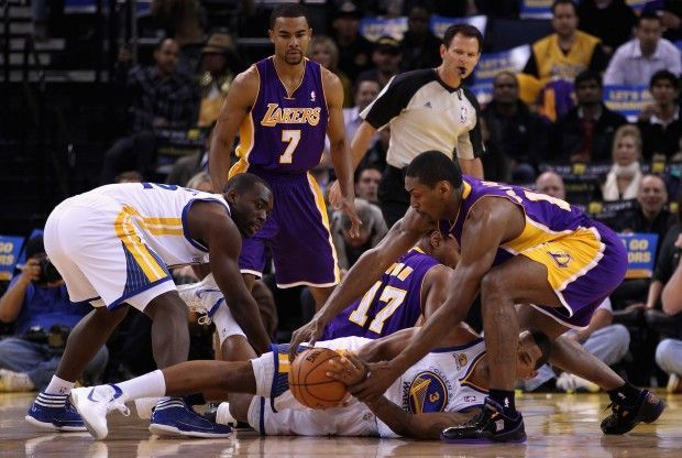 Los Angeles Lakers contra Golden State Warriors./ Getty Images