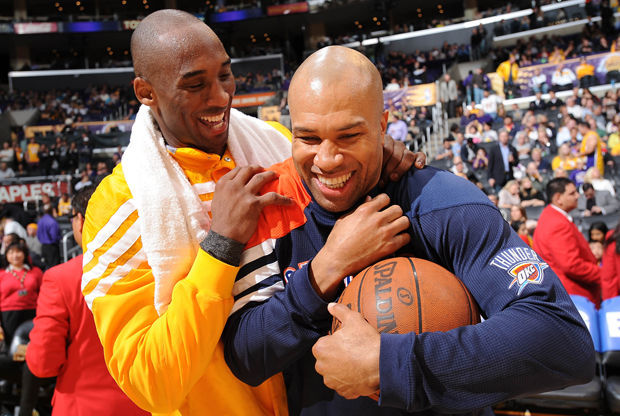 Derek Fisher y Kobe Bryant./ Getty Images