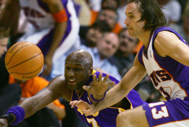 Lamar Odom y Steve Nash./ Getty Images
