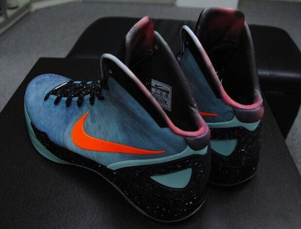 Blake Griffin - Nike Hyperdunk 'Galaxy'