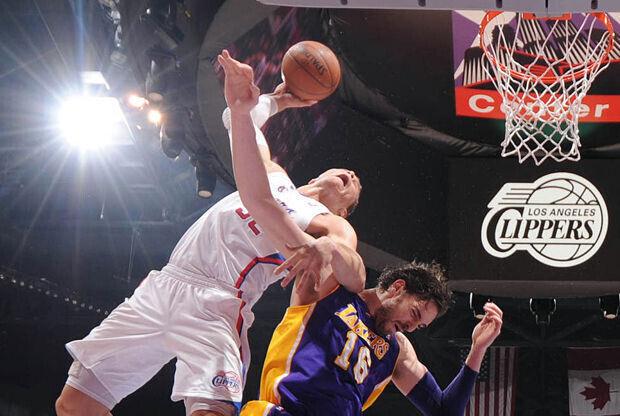Blake Griffin y Pau Gasol./ Getty Images