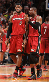 Dwyane Wade #3 y LeBron James #6./ Getty Images