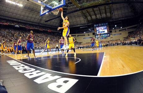 Partido entre el Barcelona y los Lakers en el Palau Sant Jordi, en Barcelona./ Getty