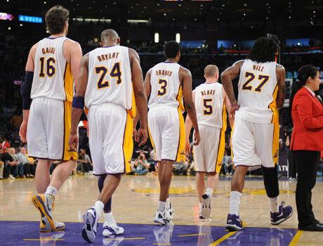 Pau Gasol #16, Kobe Bryant #24, Devin Ebanks #3, Steve Blake #5, Jordan Hill #27./ Getty Images