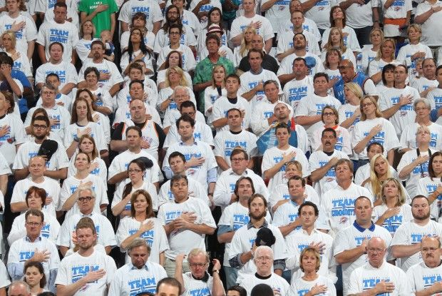 Oklahoma City Thunder fans./ Getty Images