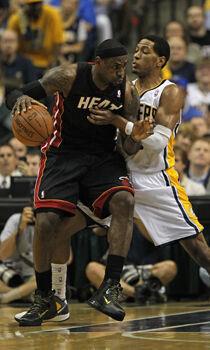 LeBron James y Danny Granger./ Getty Images