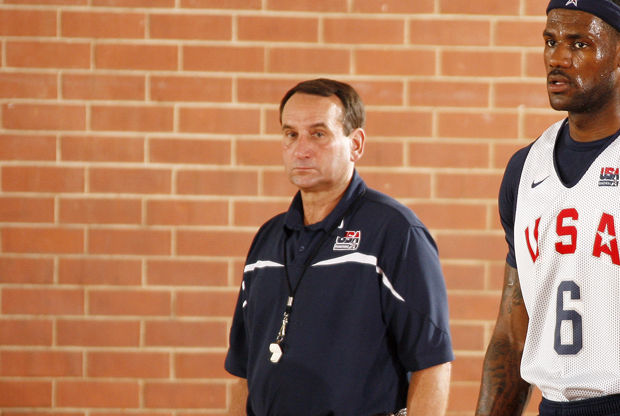 Mike Krzyzewski y LeBron James./ Getty Images