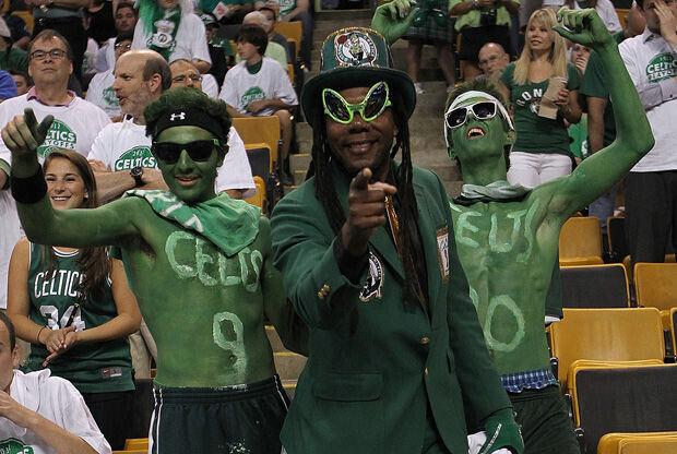 Aficionados de los Celtics en el TD Garden./ Getty