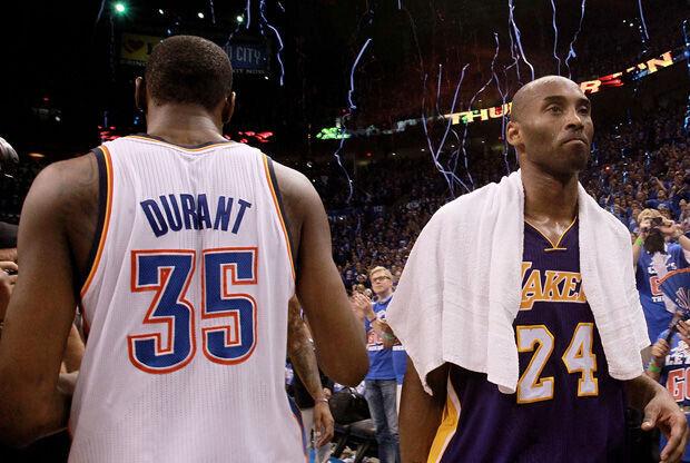 Kevin Durant y Kobe Bryant./ Getty