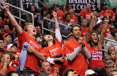 Aficionados de los Clippers en el Staple Center./ Getty