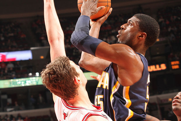 Omer Asik y Roy Hibbert./ Getty Images