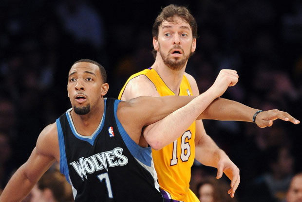 Derrick Williams y Pau Gasol./ Getty Images
