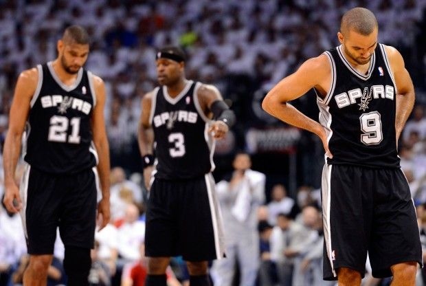 Tim Duncan, Stephen Jackson y Tony Parker./ Getty Images