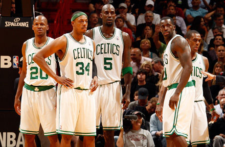 Ray Allen #20, Paul Pierce #34, Kevin Garnett #5, Brandon Bass #30  y Rajon Rondo #9./ Getty