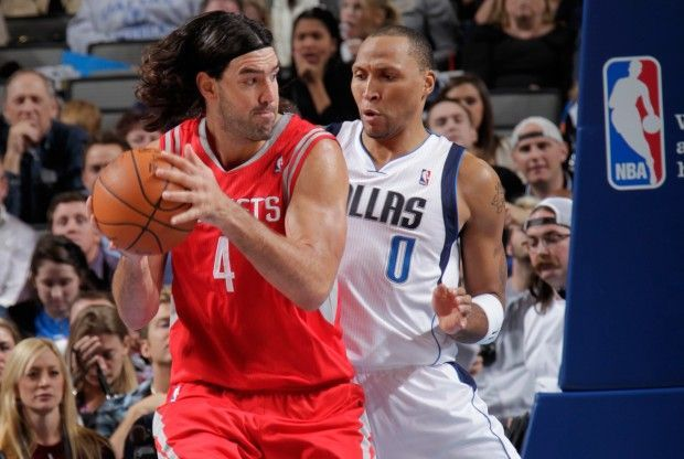Luis Scola y Shawn Marion./ Getty Images