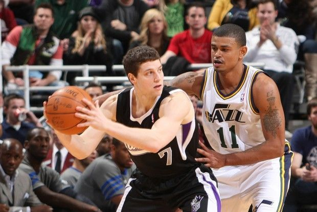 Jimmer Fredette y Earl Watson./ Getty Images