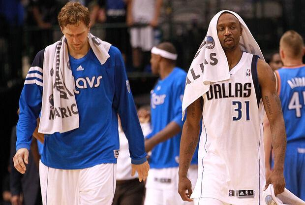 Jason Terry y Dirk Nowitzki./ Getty Images