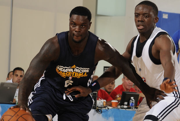 Lance Stephenson y Reggie Jackson./ Getty Images