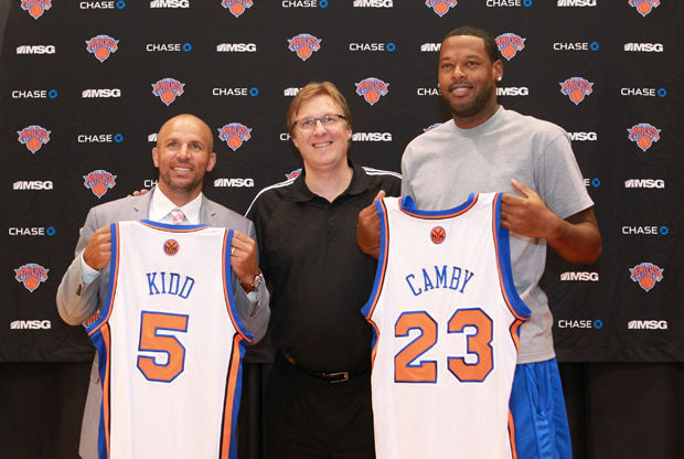 Jason Kidd y Marcus Camby./ Getty Images