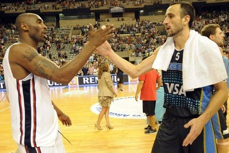 Kobe Bryant y Manu ginobili./ Getty Images
