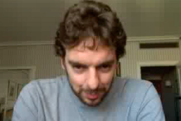 Pau-Gasol durante el videochat con sus seguidores desde le Hotel Meliá Castilla de Madrid