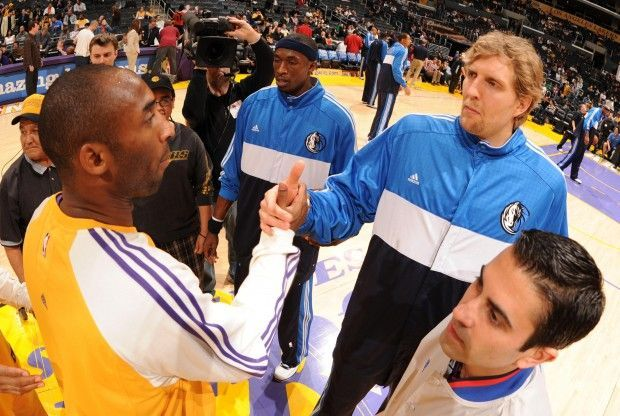 Kobe Bryant y Dirk Nowitzki./ Getty Images