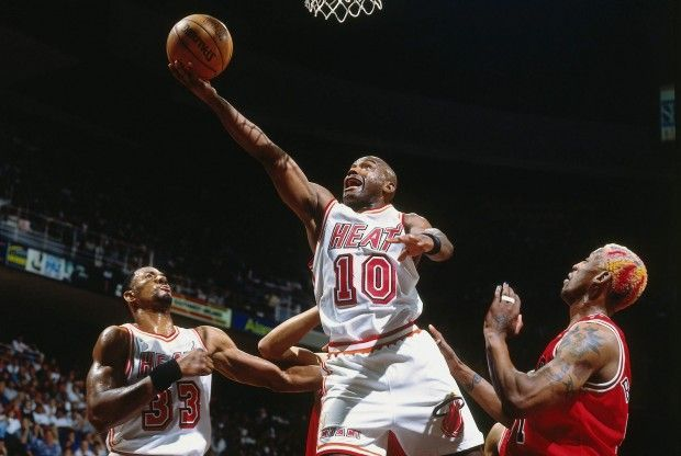 Tim Hardaway, Dennis Rodman./ Getty Images