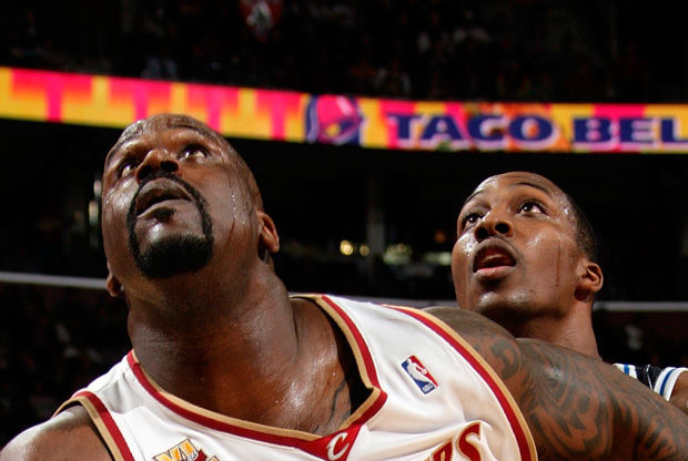 Shaquille O'Neal y Dwight Howard./ Getty