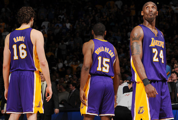 Pau Gasol, Metta World Peace y Kobe Bryant./ Getty