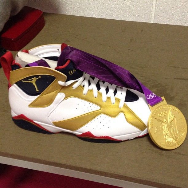 Air Jordan - Retro 7 'Gold Medal'