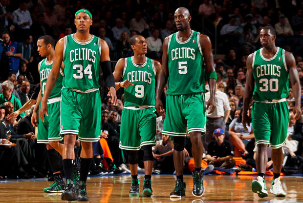 Avery Bradley #0, Paul Pierce #34, Rajon Rondo #9, Kevin Garnett #5 y Brandon Bass #30./ Getty Images