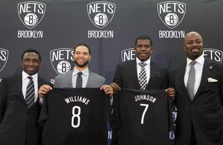 Avery Johnson, Deron Williams, Joe Johnson y Billy King./ Getty Images