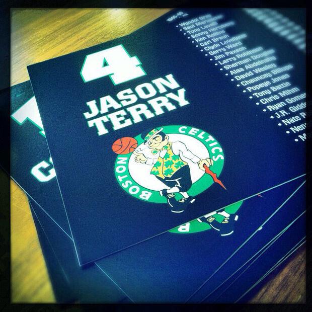 Jason Terry elige el dorasl #4 de Boston Celtics