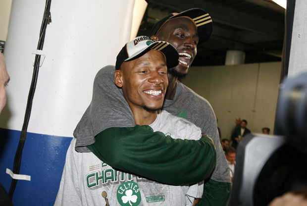 Kevin Garnett y Ray Allen./ Getty Images