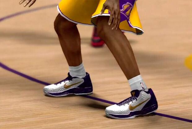Detalle de unas zapatillas del videojuego NBA 2K13