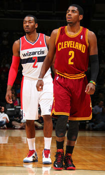 John Wall y Kyrie Irving./ Getty Images
