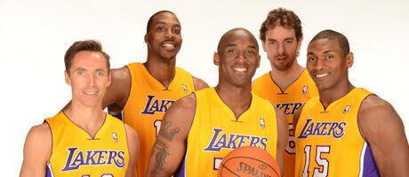 Steve Nash , Dwight Howard, Kobe Bryant, Pau Gasol y Metta World Peace./ Getty Images