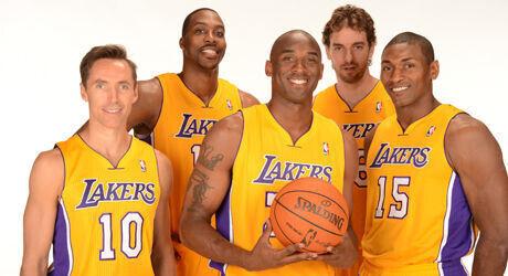 Dwight Howard, Kobe Bryant, Steve Nash, Metta World Peace y Pau Gasol./ Getty Images