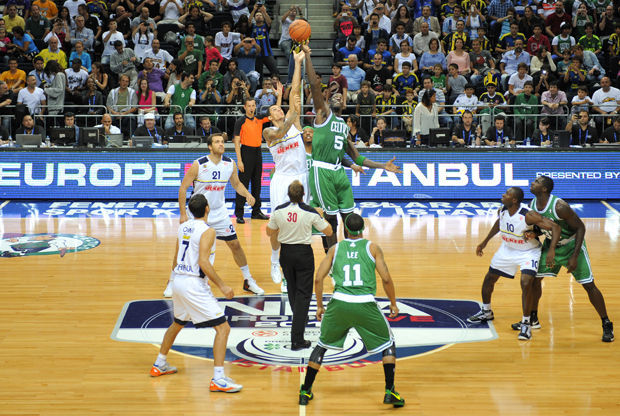 Fenerbahce Ulker - Boston Celtics./ Getty Images