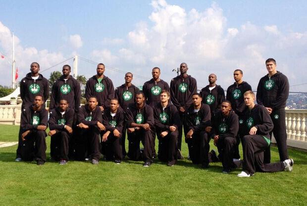 La foto de equipo de Boston Celtics - Estambul - 2012/13