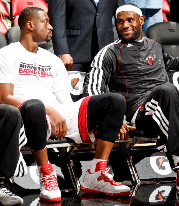 Dwyane Wade y LeBron James./ Getty
