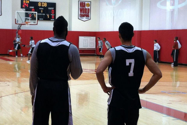 James Harden y Jeremy Lin