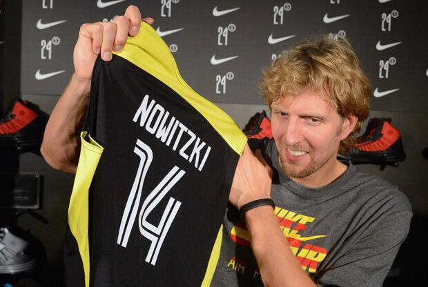 Dirk Nowitzki, en la tienda Nike de Barcelona./ Getty